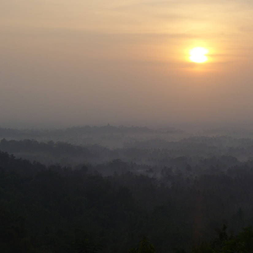 Berburu Sunrise di PunthukSetumbu