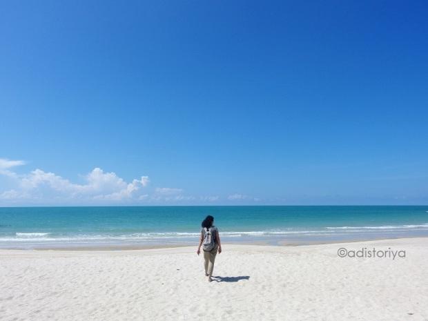 pantai pasir putih di bangka